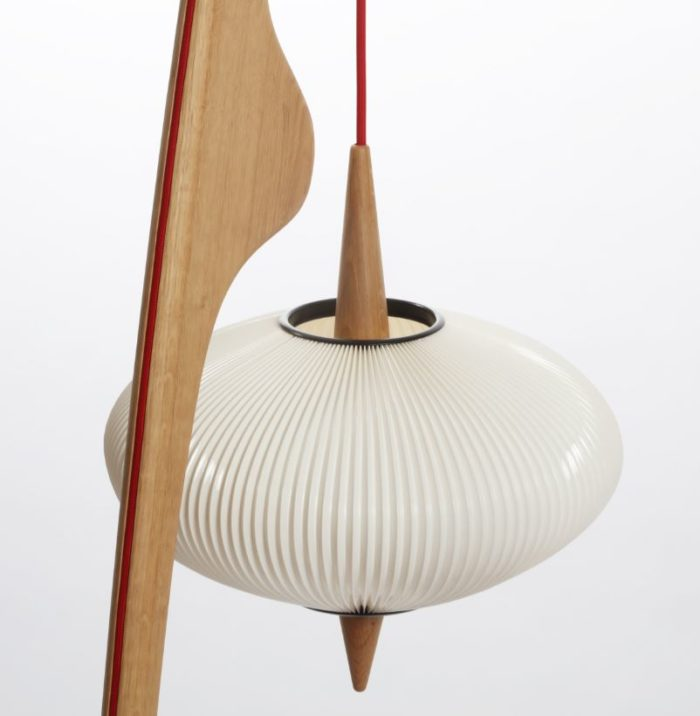 lampe mante religieuse Rispal N°14.950 en chene naturel, L'inatelier Nantes