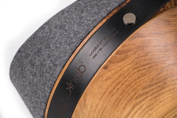Lampe projecteur KNGB en bois et feutre avec zoom flanelle gris moyen linatelier nantes