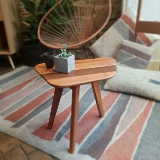 Bout de canapé ou Table d'appoint en merisier et chataigner fumé L'INATELIER fabrication artisanale francaise