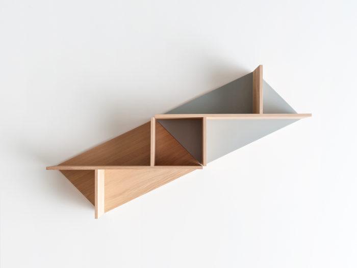Combinaison diagonale Etagère en bois massif fond personnalisable Kim Drugeot Manufacture pour L'INATELIER Nantes Design et artisanat français- GENERIQUE