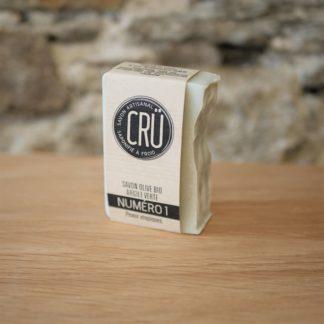 Savon à l'olive bio et argile verte CRU numéro 1 écologique, éthique, artisanal et zéro déchet CRU vue de face à l'INATELIER Nantes