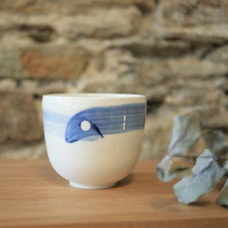 bol petit en porcelaine de limoges émaillé blanc et décor bleu L'INATELIER nantes 3