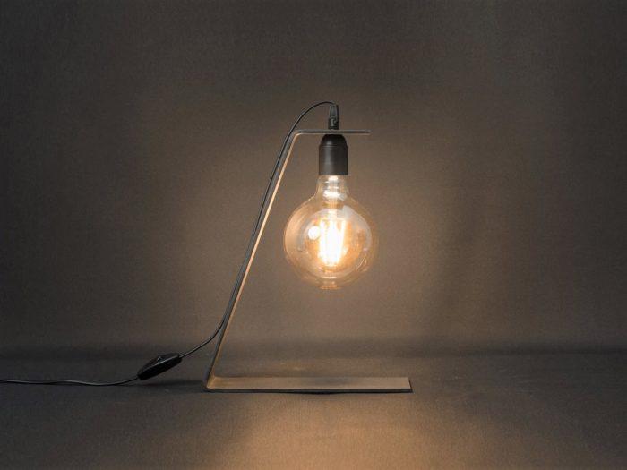 Lampe_tower_80_Brut-d'acier_l'inatelier_nantes_artisanat_français