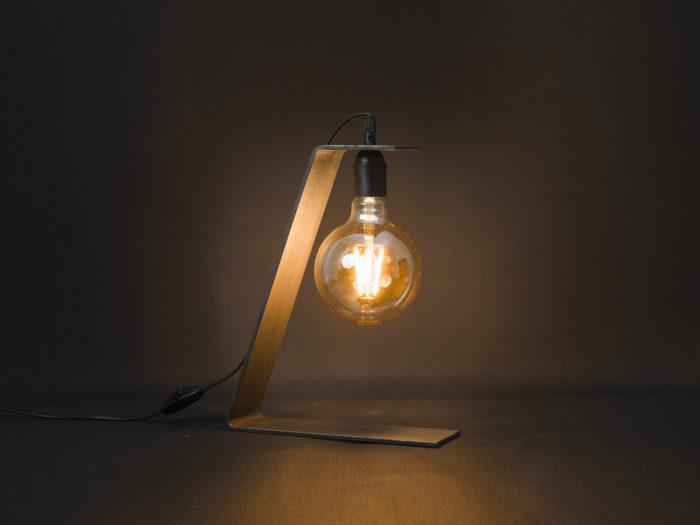 Lampe_tower_80_Brut-d'acier_l'inatelier_nantes_artisanat_français_jour