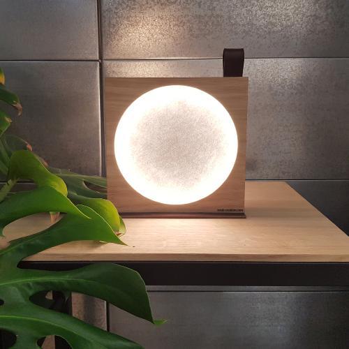 L'inatelier Lampe KNGB Moon à poser - Feutre & Bois