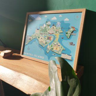 Affiche Nantes Island-L'Inatelier-Papeterie_Mem'pasmal_made in france_ville_poster_imaginaire_décoration_déco_ville_dessin_cadre_poster_interieur_création