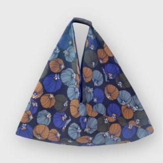 sac cabas origami- Heloise Levieux- Motifs bulbe bleu - coton - L'Inatelier - Nantes - déco - tissu - sac-à-main - création française -made in france- anse cuir