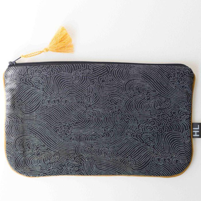 trousse plate_pochette_ motifs japonais points_textile_pompon curry_fermeture éclair_heloise Levieux_L'inatelier_Nantes_Made in france