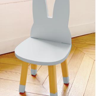 petite_chaise_enfant_lapin_bleu_boogy woody_décoration_mobilier_l'inatelier_nantes_bois_écoresponsable_vernis comestible_design_eco-friendly