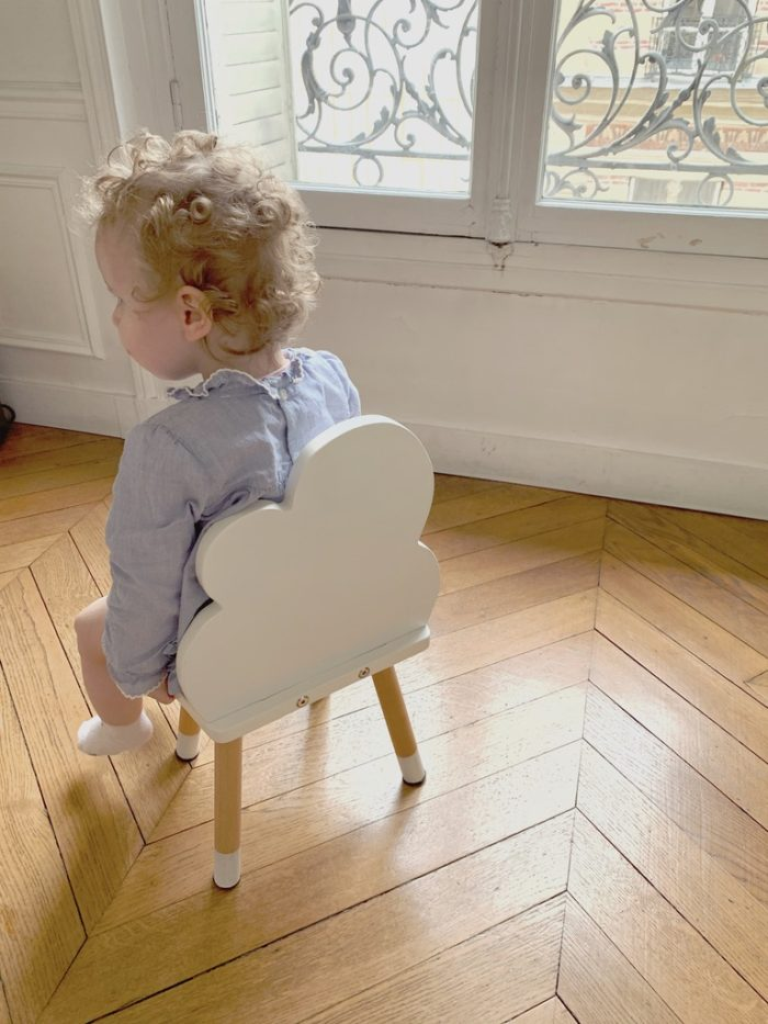 petite_chaise_enfant_nuage_blanc_boogy woody_décoration_mobilier_l'inatelier_nantes_bois_écoresponsable_vernis comestible_design_eco-friendly_made in France_chambre fille