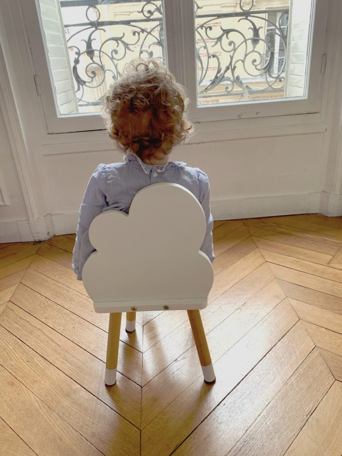 petite_chaise_enfant_nuage_blanc_boogy woody_décoration_mobilier_l'inatelier_nantes_bois_écoresponsable_vernis comestible_design_eco-friendly_made in France_chambre fille_dossier