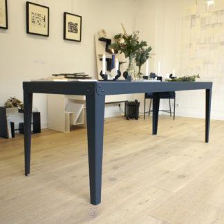 Table en acier – Batilde - Blanc - Gaelle Pinel_nantes_l'Inatelier_made in france_artisanat contemporain_fait main_décoration_intérieur_l'Inatelier_Rennes