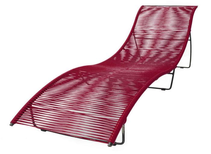 Transat-Leon-Rouge Bordeaux_exterieur_mobilier-de-jardin_BOQA_PVC_pied-métal_couleur_made-in-france_linatelier_bain-de-soleil_nantes_été_summer_outdoor_confortable_mémoire-de-forme