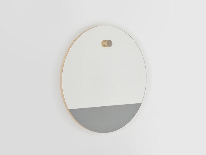 Miroir-rond-linatelier_décoration_déco_intérieur_design_made-in-france_mur_déco_HETCH-Horizon-1_bi-teinte_gris_chêne-massif