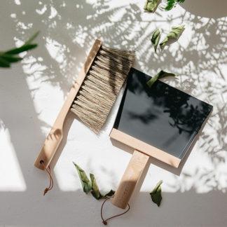 coffret pelle et balayette noir Nature_andree jardin_déco_intérieur_décoration_naturel_made-in -france_artisanat_nantes_linatelier_design Clynk_écoresponsable