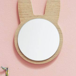 miroir-lapin-en-bois-chambre-enfants_april-evelen-décoration_déco_made-in-france_tendance_artisanat_cadeau_naissance_linatelier_nantes_fond-rose
