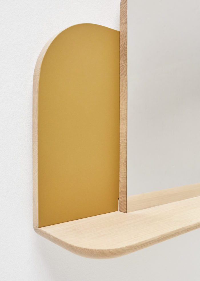 bureau-suspendu-écran-hetch-mobilier_linatelier_mobilier_desk_miroir_coiffeuse_laque_or_mural_nantes_boutique-déco_décoration_idée-déco_travail_made-in-france_design_détail-matières_métal_bois